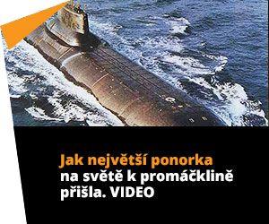 Jak největší ponorka na světě k promáčklině přišla. VIDEO