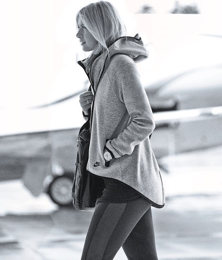 Maria Sharapova wears the Tech-Fleece Cape. #nikesportswear #nsw #nike