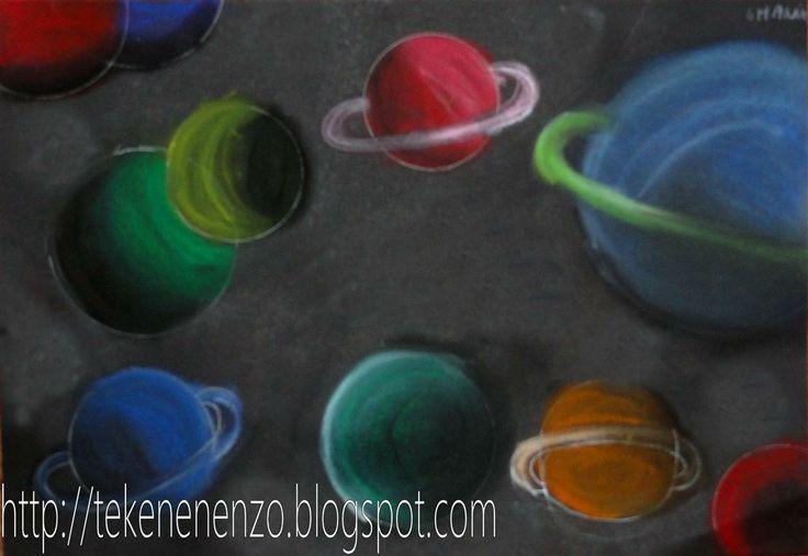Het heelal. Hoe zorg je ervoor dat je diepte ziet in de tekening. Dit bereik je door te zorgen voor overlapping - een planeet voor de andere. Bedenk voor je gaat kleuren goed waar het licht vandaan komt. Dit moet terug te zien zijn op de planeten. Komt het licht van linksboven, dan zijn de linkerbovenkanten van je planeten lichter van kleur (mix met wit) en de onderkanten rechts donkerder (mix met zwart). Teken ook planeten die maar deels te zien zijn aan de rand van h