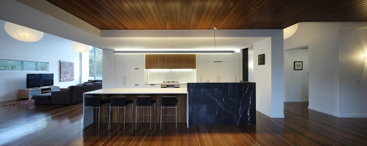 Mt Coot-tha House, Mt Coot-tha Australia by Shaun Lockyer Architects.