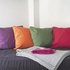 PP 4 bright cushions - Sew a simple cushion cover - Free sewing patterns - Craft - allaboutyou.com