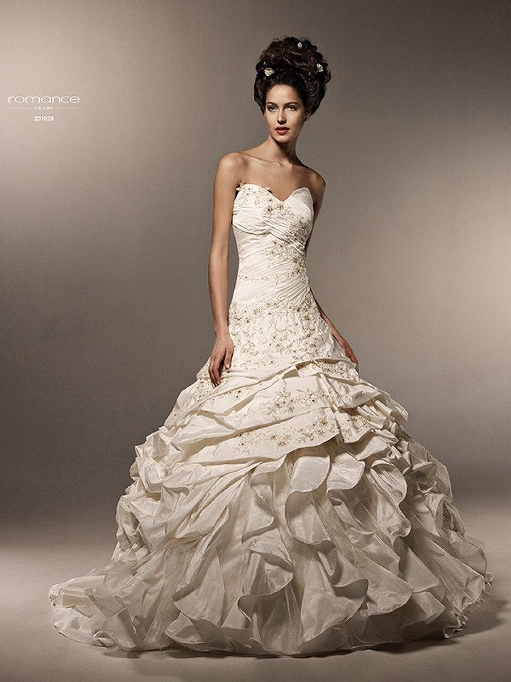 1236 best wedding dress trend images on pinterest for Italian design wedding dresses