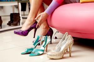 Женская модельная обувь на каблуке