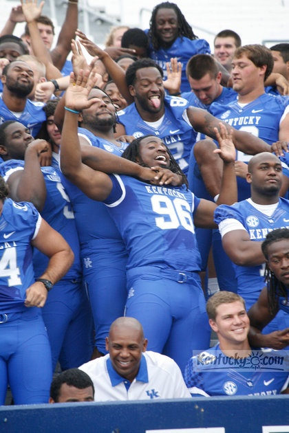 PHOTO GALLERY: Meet the 2012 University of Kentucky football team RollTideWarEagle.com sports stories that inform and entertain, plus #collegefootball rules tutorial. Check out our blog and let us know what you think. #Wildcats