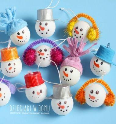Table tennis ball snowman Christmas ornament - craft for kids // Pingponglabda hóember karácsonyfadísz - kreatív ötlet gyerekeknek // Mindy - craft tutorial collection // #crafts #DIY #craftTutorial #tutorial