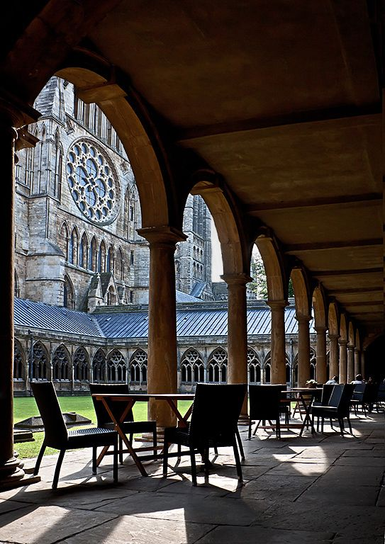 Lincoln cathedral cloisters, a photo from Lincolnshire, England | TrekEarth)  Lincoln, Lincolnshire, England, UK