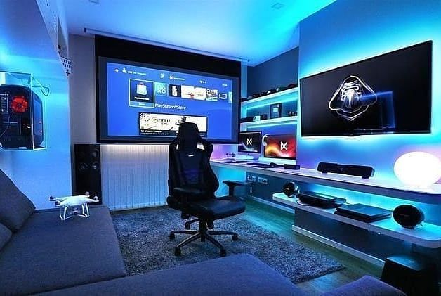 Beamer Television Computer Drone Playstation And More This Room Is Completely Insane Rate In 2020 Computer Gaming Room Video Game Rooms Gamer Room Diy