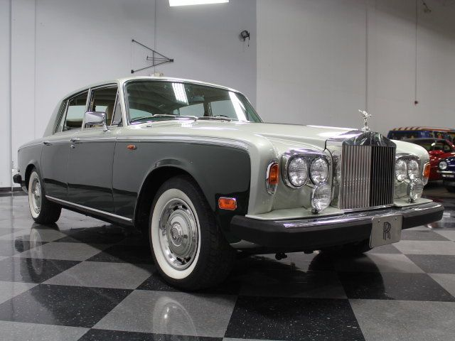 1000 ideas about rolls royce silver shadow on pinterest classic cars rolls royce phantom and. Black Bedroom Furniture Sets. Home Design Ideas