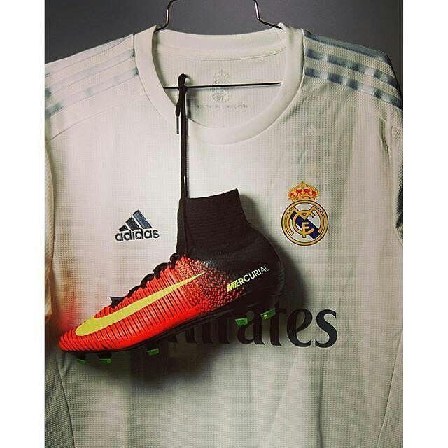 Best 25+ Cristiano Ronaldo Soccer Shoes Ideas On Pinterest