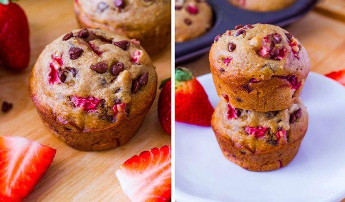 Připravte si doma jednoduché muffinky, které jsou téměř bez tuku. Skvělá ovocná chuť v kombinaci s čokoládou je hotová mňamka!