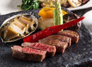 隠れ家的ステーキハウス「鉄板焼 みたき 桜坂」、福岡にオープン!黒毛和牛のステーキを楽しんで