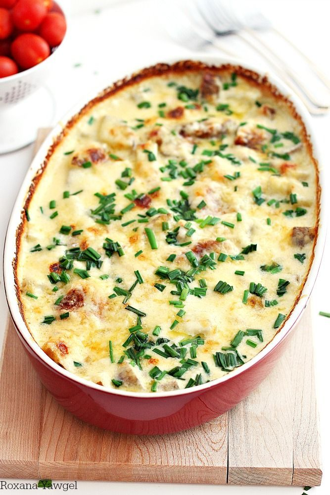 Potatoes au gratin loaded with cheese, cream and garlic. An easy no fuss no mess delicious weeknight meal.