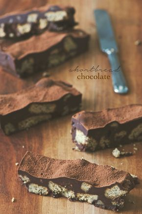 """Cosa devo dire : """" è semplicemente fantastico !!!! """" La ricetta dello shortbread chocolate è di Donna Hay ed è un dolcetto di facilissi..."""