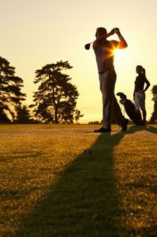 Do you want to power up your swing, painlessly? Discover what the pros know —chiropractic can improve your flexibility and your score!chiropractic-golf