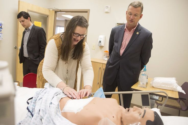 Nursing School Gives Georgia Congressman Hign Confidence in Skills of New Health Professionals