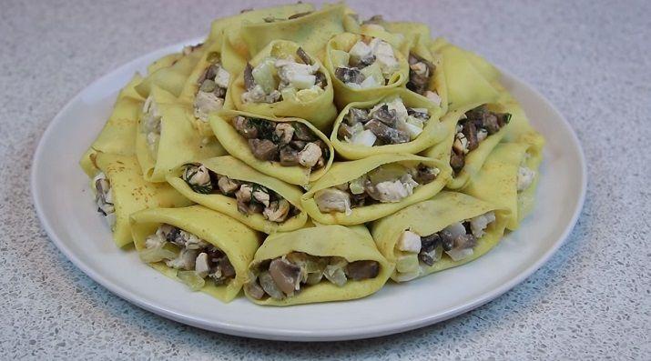 Такие салаты можно подать и на фуршетный стол: ведь они все порционные. Приготовьте обязательно: и ваш стол на праздники будет самым изысканным, вкусным и оригинальным.