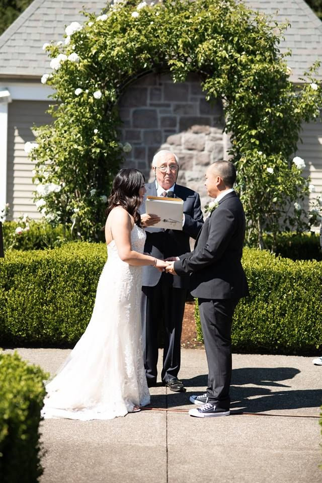 I Love My Clients Thanks To Leslie And Sarn For Having Me As Their Officiant On July 28 2018 At The Oregon Gol Wedding Minister Wedding Officiant Officiants