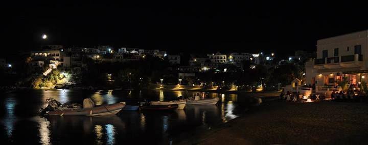 A beautiful night at Piso Livadi #Paros...