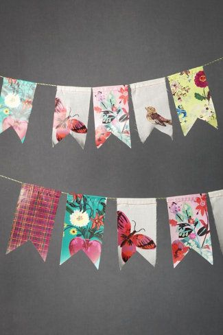 Pretty bunting!Wedding Buntings, Paper Garlands, Birthday Banners, Engagement Parties, Fabrics Scrap, Scrapbook Paper, Fabrics Swatches, Scrap Fabric, Diy Projects