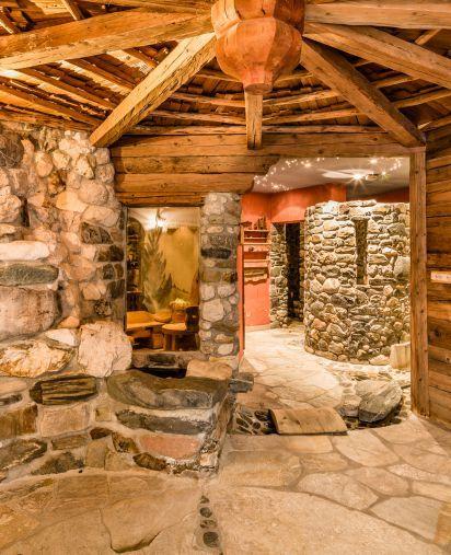 Alpine bath house