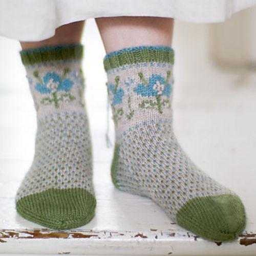 Ravelry: Blomma Socks pattern, 3mm, 3,75GBP