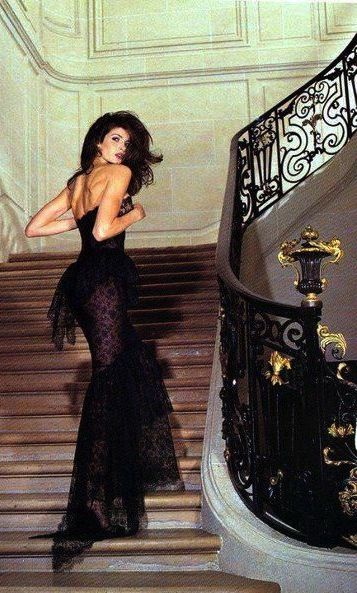 Stephanie Seymour in Chanel                                                                                                                                                     More