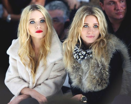 Olsen Twins at paris fashion show | Olsen twins