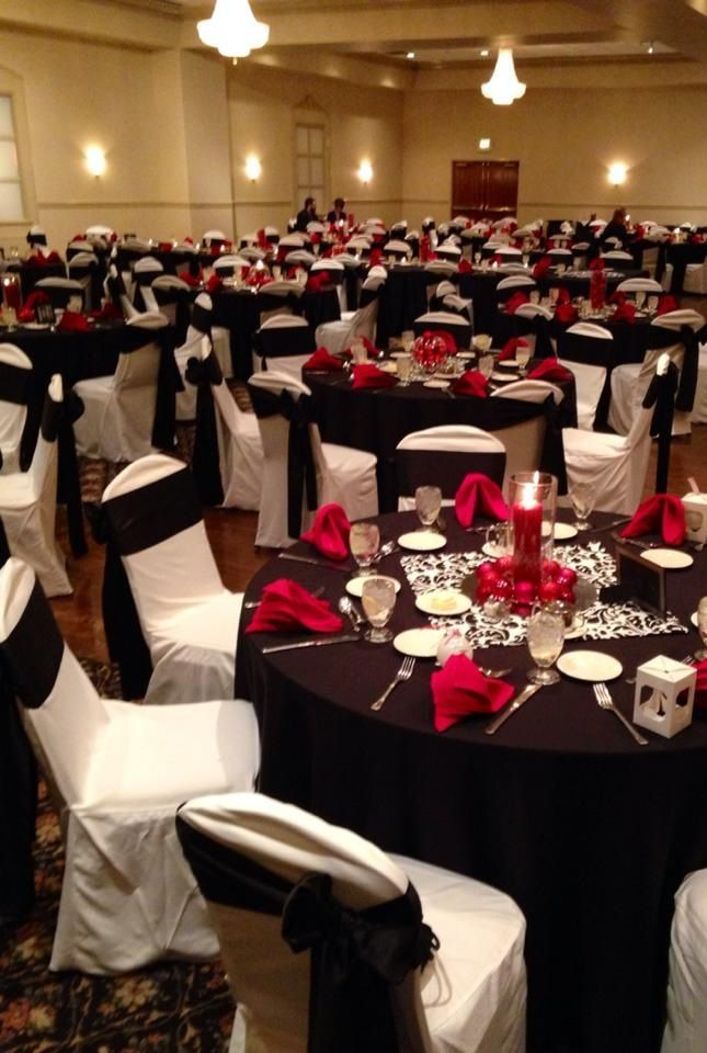 black white christmas wedding | Black white & red table settings for reception