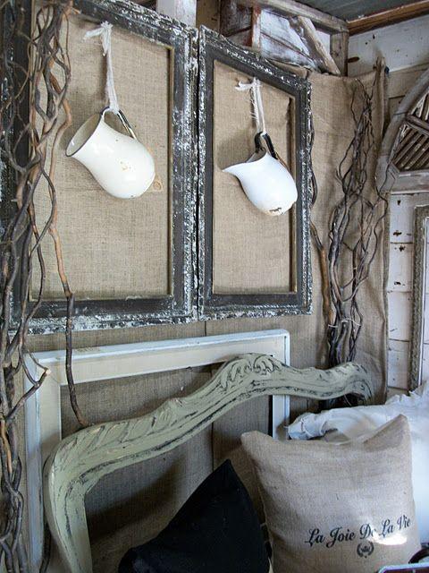 pretty: Vintage Mirror, Pitchers Ideas, Booths Style, Booths Ideas, Crafts Marketsampl, Old Frames, Vintage Frames, Style Ideas, Salvaged Dior