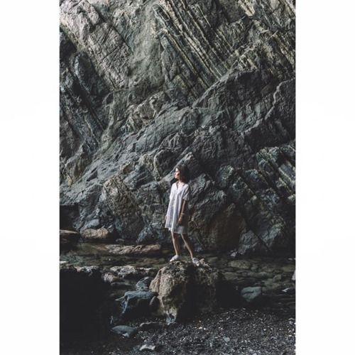 Objevili jsme jeskyně. Pro nás ohromný zážitek skvělá lokace na focení i prozkoumávání. Jen tak mimochodem Fuerteventura nás neustále překvapuje ale to už jsme povídali snad několikrát že?  #jsemnikonnacestach  Photo by @lukasneasiphoto & @nicolekudelkova #NikonDf #NikonD3400 via Nikon on Instagram - #photographer #photography #photo #instapic #instagram #photofreak #photolover #nikon #canon #leica #hasselblad #polaroid #shutterbug #camera #dslr #visualarts #inspiration #artistic #creative…