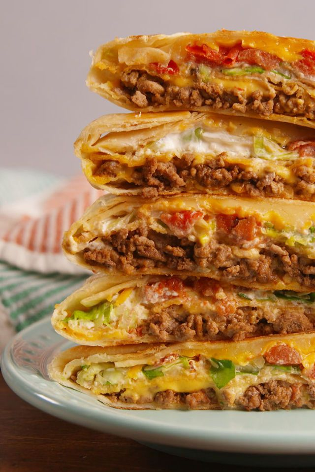 Best Crunchwrap Supreme Recipe - How to Make a Crunchwrap Supreme