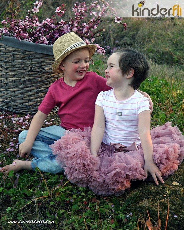 Kinderfli Boy and Girl in Orchard