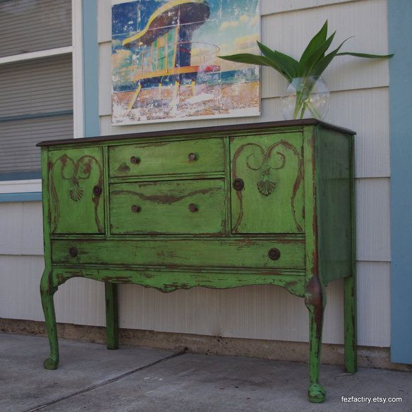 Annie Sloan Chalk Paint™ Color Antibes Green with dark wax. Featured on the Shades of Amber blog.
