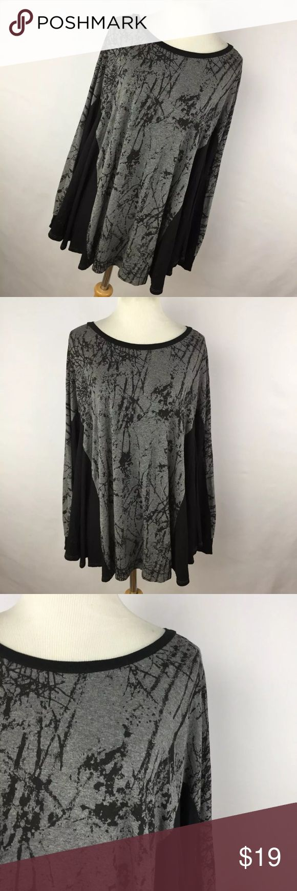 "Comfy USA M Shirt Top Black Gray Swing Oversized This is a beautiful oversized top. Rayon blend. Chest measurement  - 50"" Length measurement - 24"" Sleeve Length measurement - 22"". Excellent condition. Smoke free home comfy usa Tops Blouses"