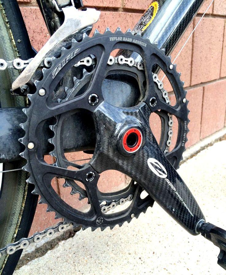 Zipp 4 point carbon crankset. Bicicleta de estrada