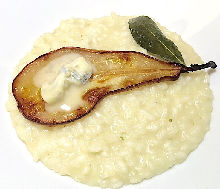 Celeriac risotto with pears and Gorgonzola cheese