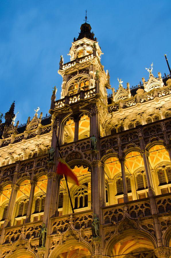 """Royal Colors"" by Jérémie Fricker  -  Grand Palace, Brussels, Belgium"
