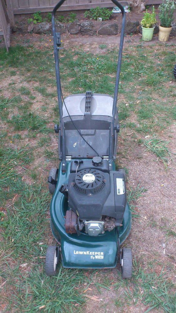 Victa Lawnkeeper 4 stroke lawn mower c/with grass catcher