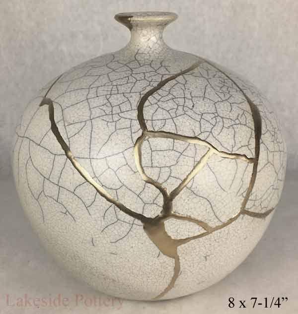 Kintsugi Art, How the Repair Made, Where to Buy Kintsukuroi Gold Repair in 2021   Kintsugi art, Kintsugi, Japanese broken pottery