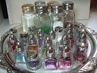 putting your glitter in salt shakers, such a smart idea!@juliarehder: Salts Peppers Shakers, Polka Dots, Salt Pepper Shakers, Crafts Rooms, Salt Shakers, Dots Pineapple, Salts Shakers, Great Ideas, Silver Platters