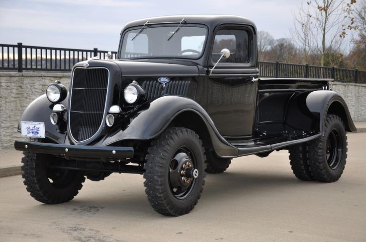1935 Ford Dually - RCCrawler