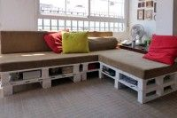 want this for play room/craft room     DIY Sofa With Built-In Storage Made Of 6 Pallets