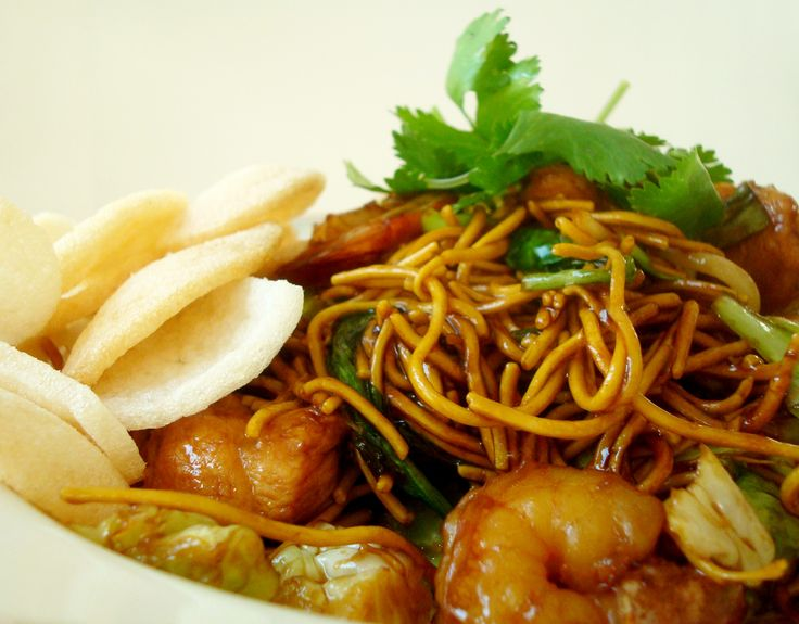 "If you go to Indonesia, it won't take you long to become acquainted with mie goreng. Translated as ""fried noodles,"" this dish is ubiquitous in restaurants and has as many variations as pizza has toppings. It's harder to find at restaurants stateside, but luckily, it's not hard to learn how to make mie goreng at home. Find out here!"