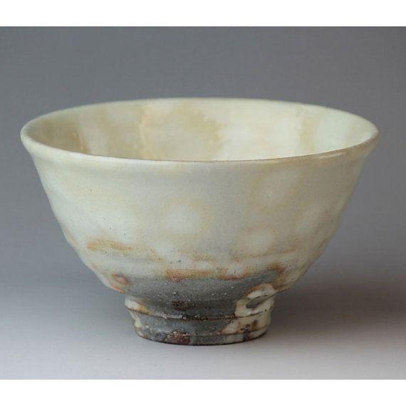 Hagi yaki Kohiki tea bowl made in Japan with wooden box. hagi-shut-teat-278