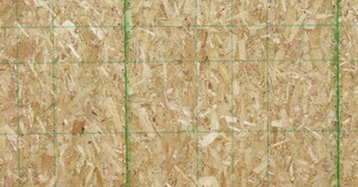 Como usar OSB em exteriores. Oriented strand board - OSB é um produto para revestimento vendido em folhas ou chapas, de acordo com a preferência do cliente. É produzido em vários tipos de acabamentos diferentes para assemelhá-la às madeiras maciças e superfícies de estuque. Muitos preferem utilizar OSB como uma alternativa para outros materiais de revestimento, como metal ou ...