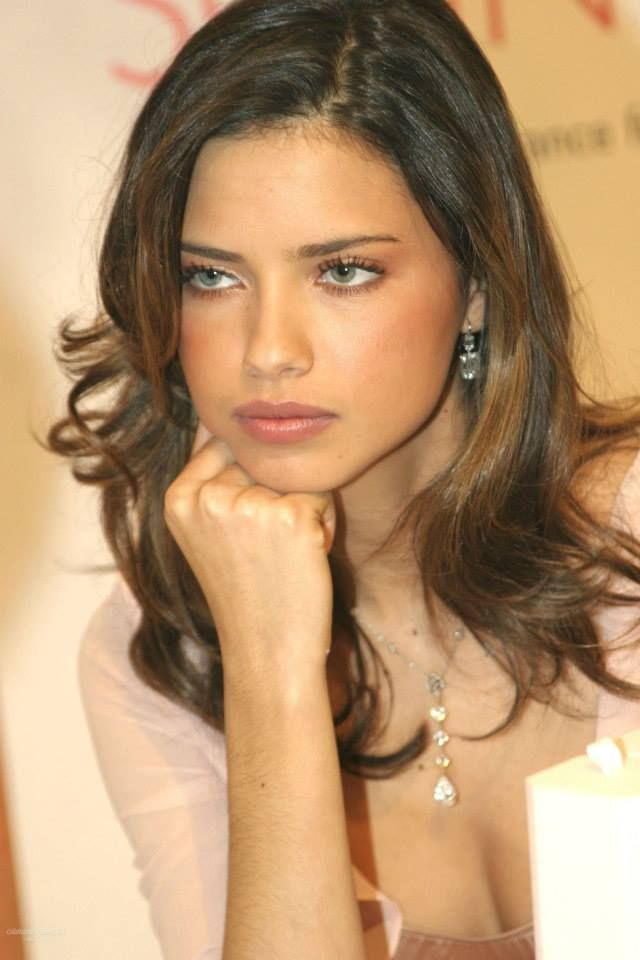 Adriana Lima : Hooded eyes makeup inspo : Pinterest : Sexy ...