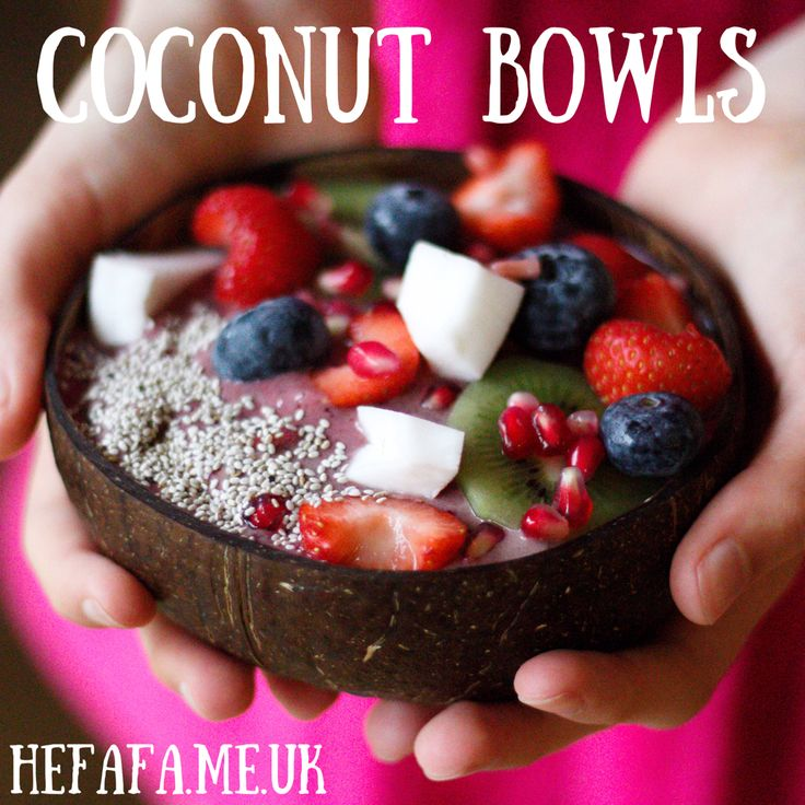 a little about coconut bowls and my berry smoothie bowl recipe