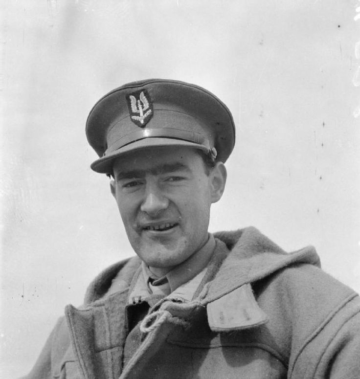 Monty Coat  THE SPECIAL AIR SERVICE (SAS) IN NORTH AFRICA DURING THE SECOND WORLD WAR.  Portrait of Lt Colonel David Stirling DSO.