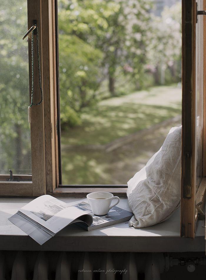 фото кофе весной у окна