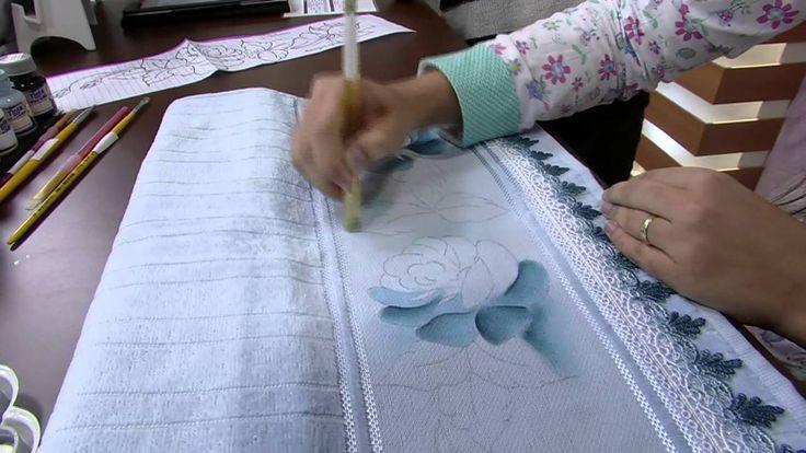 Mulher.com 14/05/2014 Thanynha Avila - Pintura tecido rosas Parte 1/2
